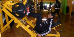 entrenamiento futbol pesas
